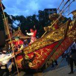 諏訪神社境内 練り込み 鯨船